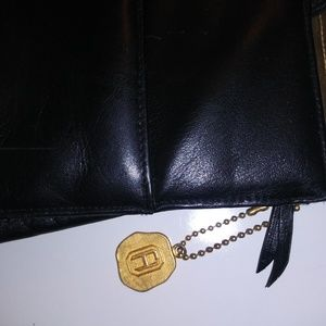 Fred Hayman Beverly Hills Bags - Fred Hayman Beverly Hills Black Leather purse NWOT